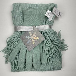 New York & Company Cableknit Fringe Trim Scarf and Gloves Gift Set Sage Green
